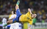 Top 10 ngôi sao 'làm gỏi' đối thủ bằng poker: Có Si-Ro, Ibrahimovic cùng cú volley kinh điển