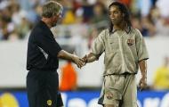 'Ronaldinho suýt đến Man Utd, thậm chí chúng tôi đã để số áo cho anh ấy'