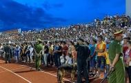 Sân Hà Tĩnh 'vỡ', Ban kỷ luật VFF khó xử nặng
