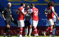 Sao Arsenal 'túm cổ' đối thủ, huyền thoại Ian Wright tuyên bố gây sốc