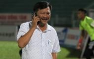 Chủ tịch CLB Quảng Nam không bị phạt dù xông vào phòng trọng tài