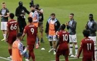 CHOÁNG! Sao Man City làm điều không thể tin nổi khi xếp hàng đón Liverpool