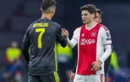 Đồng ý bán Van de Beek, Ajax giữ chặt sao trẻ từng vật ngã Ronaldo