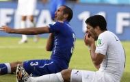 Sắp trở thành đồng đội, Suarez gọi ngay cho Chiellini