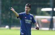 Arsenal tập luyện, CĐV bấn loạn vì hai trợ lý trẻ trung của Mikel Arteta