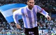 Lạ mắt với hình ảnh Messi, Ronaldo mặc áo tuyển trùng năm sinh