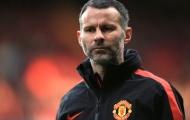 Cãi lời Sir Alex, Ryan Giggs 'thông đồng' với David Moyes khiến Man United ôm hận