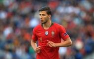 """Sau Gareth Bale, Mourinho gia cố hàng thủ bằng """"đá tảng"""" Bồ Đào Nha"""