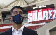 Vừa tới Atletico, Suarez nhận ngay số áo xịn sò, đưa lưng cho đồng đội đập