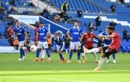 Hưởng penalty phút 90+10, M.U giành 3 điểm đầu tiên của mùa giải