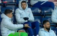 Chelsea thua chóng vánh, Kepa liền bực tức chỉnh đốn đồng đội trên khán đài