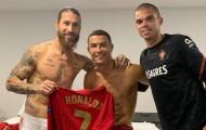 Ronaldo gửi đến Ramos thông điệp 'mùi mẫn', ân oán 2 năm chấm dứt