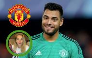 'Tẩu thoát' khỏi Man Utd bất thành, Romero và vợ nhận thông điệp từ Berbatov