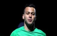 XONG! Sau Emiliano Martinez, Arsenal chia tay thêm một thủ môn