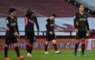 Carragher nói về Liverpool: 'Hàng thủ dâng cao không phải vấn đề nhưng ...'