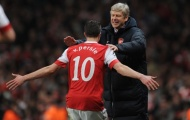 Wenger: 'Van Persie từng cầu cứu tôi sau khi rời Man Utd, nhưng ...'
