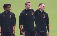 'Lá chắn thép' của Juventus phục hồi chấn thương, rạng rỡ trên sân tập