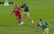 CHOÁNG! Liverpool suýt ôm hận trước Sheffield vì quả 11m 'hoang đường'