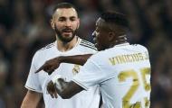 Sau scandal cô lập, Benzema và Vinicius 'hành động khó lường' trong trận thắng Huesca