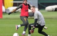 Lingard 'nhảy múa', thủ môn Man Utd chỉ còn biết đứng nhìn