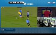 Vào bóng ác ý, Cavani nhận bi kịch trong trận thua Brazil