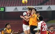 XONG! Wolves báo tin khủng khiếp về Jimenez sau pha va chạm với Luiz