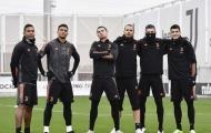 Ronaldo tạo dáng cực ngầu, mang sự tự tin trở lại với Juventus