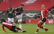 Đá 1 năm, Bruno Fernandes đã lập thành tích khủng, vượt mặt Ronaldo, Scholes