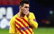 Phản ứng hài hước của khán giả khi thấy Barca tạc tượng Messi