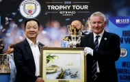 Bầu Hiển nâng cúp Ngoại hạng Anh, hẹn Man City trở lại Việt Nam