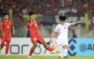 Myanmar đã làm thế nào để ngăn chặn cầu thủ Việt Nam ghi bàn?