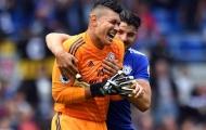 CĐV Cardiff cảm ơn Philippines vì loại thủ môn Etheridge