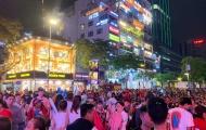"""""""Biển người"""" ăn mừng chiến thắng của U22 Việt Nam tại Phố đi bộ Nguyễn Huệ"""