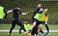 Nainggolan diện quả đầu cực chất, quyết tâm giúp đội nhà bám đuổi Juventus