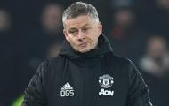 CĐV Man United: 'Đội bóng không cần cậu ta; Kẻ thế chỗ Phil Jones trong phòng y tế'