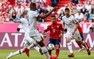 Neuer làm 'lực sĩ', Thiago thi triển rabona trên sân tập trước đại chiến gặp Leverkusen
