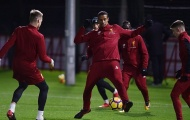 Hàng thủ Liverpool đón tinh binh trước đại chiến với Chelsea