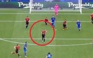Lo chải chuốt, hậu vệ Thổ Nhĩ Kỳ bị Modric trừng phạt