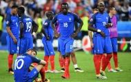 Các cầu thủ Pháp từ chối đeo huy chương Bạc EURO lên cổ
