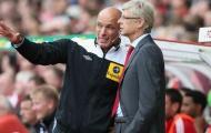 Howard Webb khiến CĐV Arsenal 'sướng phát điên'
