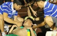 Cầu thủ XSKT Cần Thơ ngất xỉu sau chiến thắng hú vía