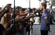 Hàng trăm phóng viên vây thầy trò huấn luyện viên Zidane