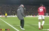 Mourinho phi vào sân mắng Rashford và 6 chuyện hài hước ở NHA vòng 14