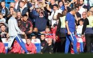 Khiêu khích Mourinho, trợ lý Sarri chính thức lĩnh án