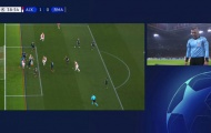 UEFA giải thích lý do trọng tài tước bàn thắng của Ajax