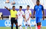 """Lỗi """"nhỏ"""" của Đình Trọng và báo động lớn cho bóng đá Việt"""