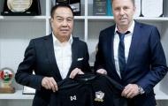 LĐBĐ Thái Lan sợ mất tướng tài vào tay các đội bóng Trung Quốc
