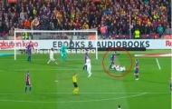 Thấy Varane ngã, Alba tiến tới làm hành động khiến fan Real 'sôi máu'