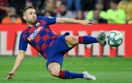 Đây, phản ứng khó tin của sao Barca khi bị khán giả la ó