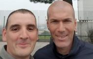 Đâm vào xe fan, Zidane phải bồi thường bằng cách khó tin
